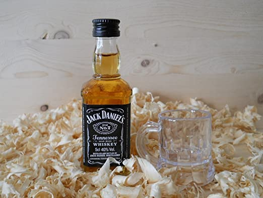 Botellin miniatura Whisky Jack Daniel´s con vastito chupito - Pack ...