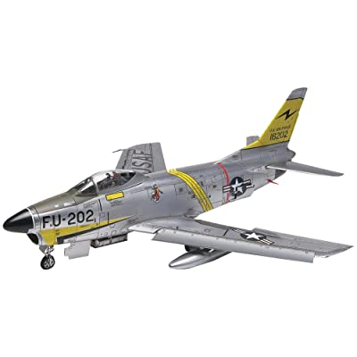 Revell F-86D Sabre Dog 1:48 Scale Military Model Kit: Toys & Games
