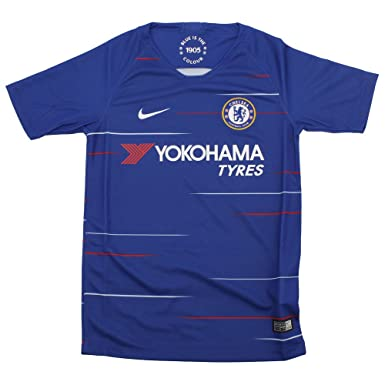 55b363d50 Amazon.com  NIKE 2018-2019 Chelsea Home Football Shirt (Kids)  Clothing