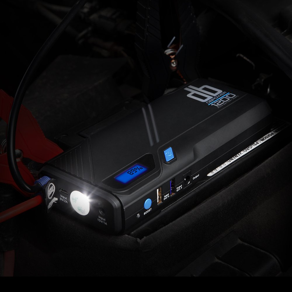 protection ultime DB DBPOWER 1200/A portable voiture aide au d/émarrage Super l/éger et compact d/émarreur de voiture avec sortie qc3.0/et LED lumi/ère durgence