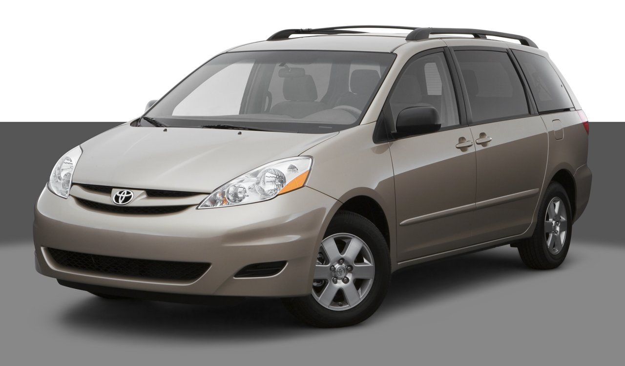 2007 toyota sienna reviews images and specs vehicles. Black Bedroom Furniture Sets. Home Design Ideas