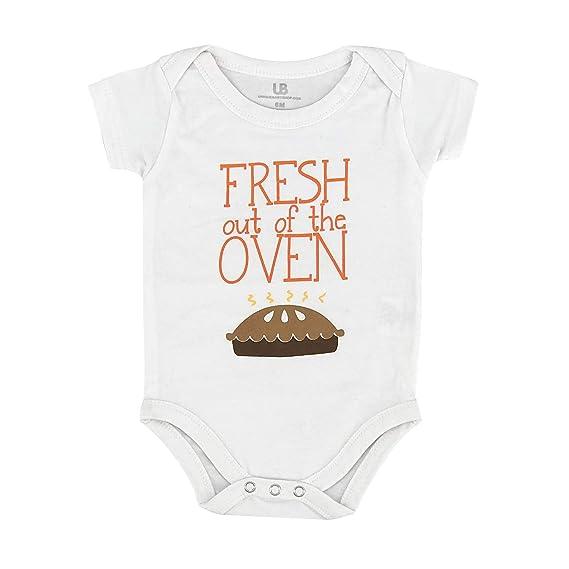 Amazon.com: Único bebé Unisex fresco fuera del horno 1er ...