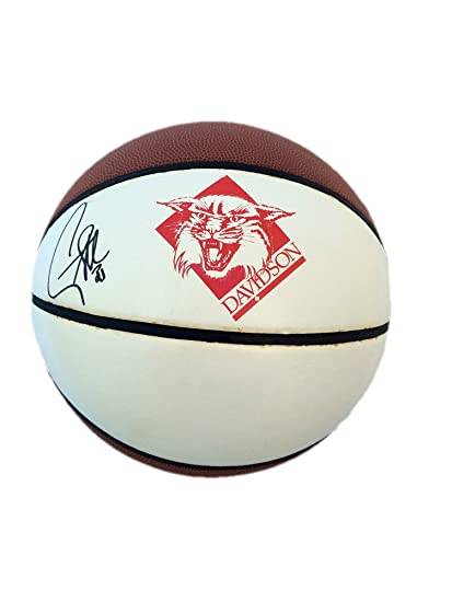 2479510b4225 Stephen Curry Autographed Davidson Wildcats Logo Basketball JSA Authentic  at Amazon s Sports Collectibles Store