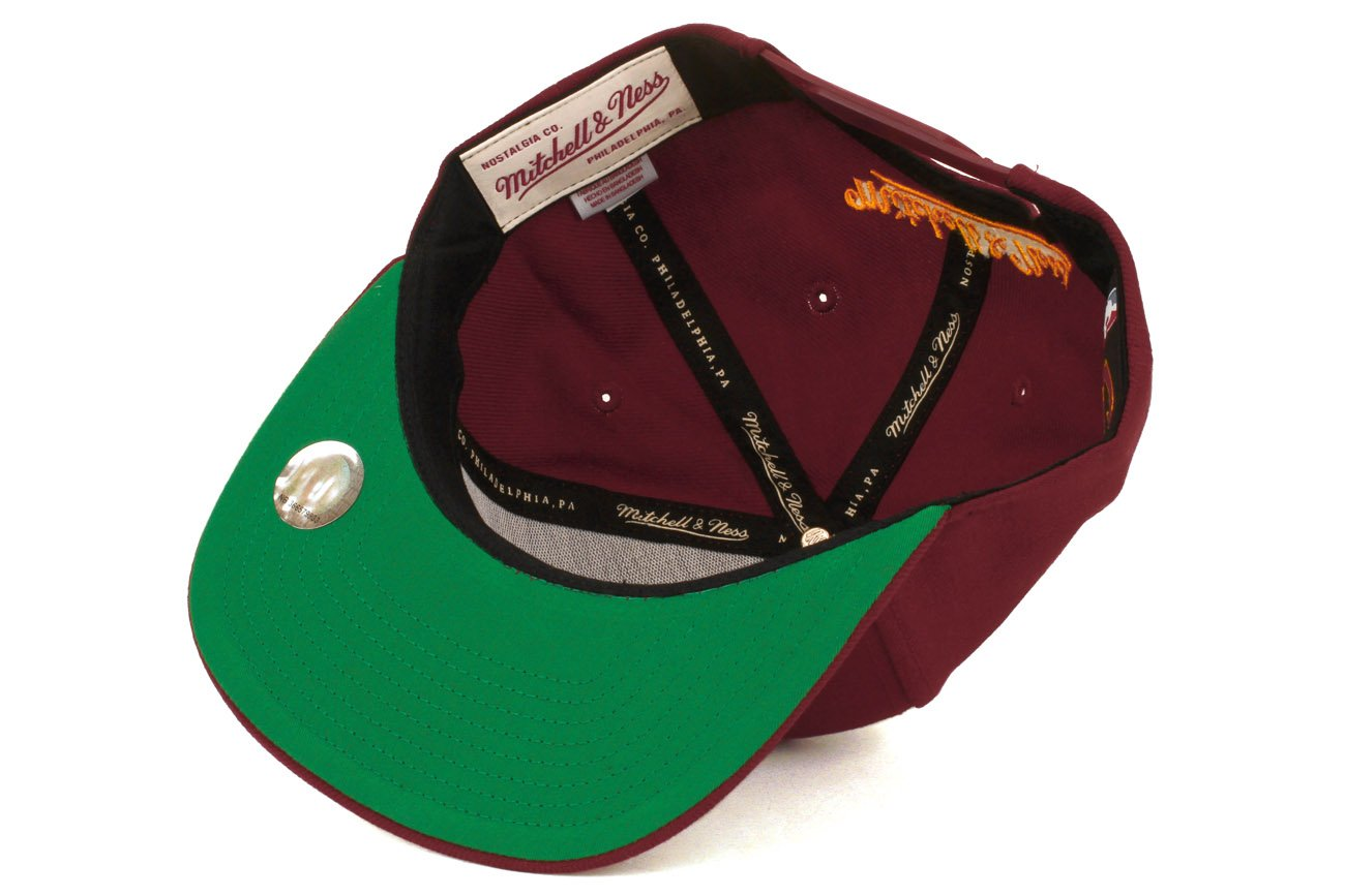 Amazon.com  Mitchell   Ness Men s Cleveland Cavaliers Wool Solid Snapback  One Size Maroon  Clothing 401cd13462ae