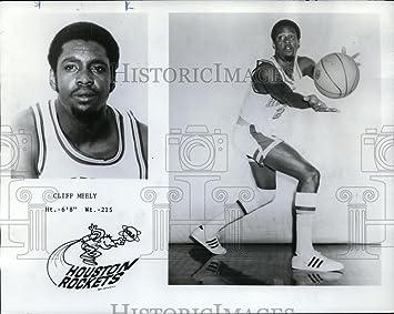5614d38e7dd Amazon.com  Vintage Photos 1971 Press Photo Cliff Meely of The ...