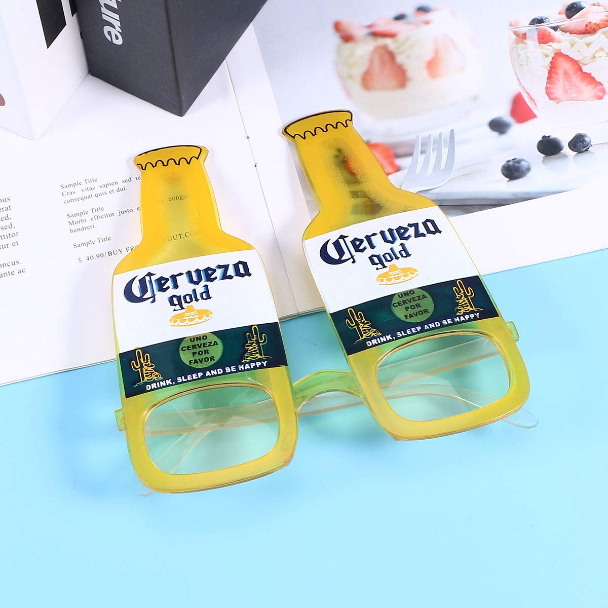Amosfun Bierflasche Form Sonnenbrille Hawaiian Eyewear Party Sonnenbrille Photo Booth Requisiten gelb