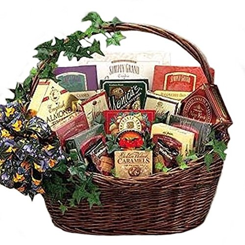 Sweets N Treats Gourmet Gift Basket -Small (Christmas Goodie Basket Ideas)