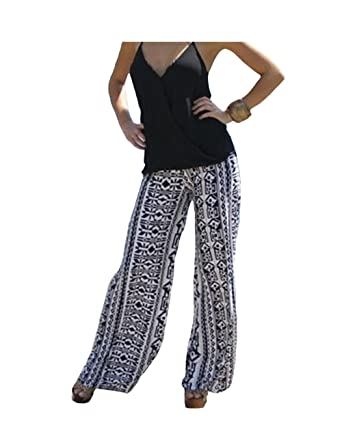 9bea99f5d89c Image Unavailable. Image not available for. Color  White and Black  Geometric Print Women ...