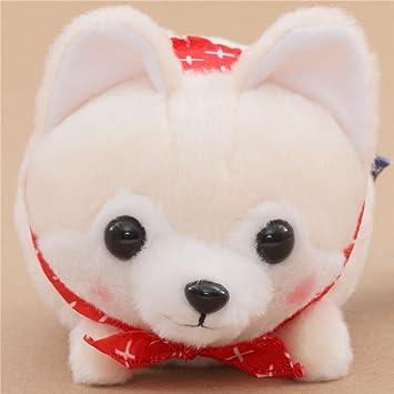 Peluche gracioso perro crema blanco con pañuelo rojo Mameshiba San Kyodai Japón