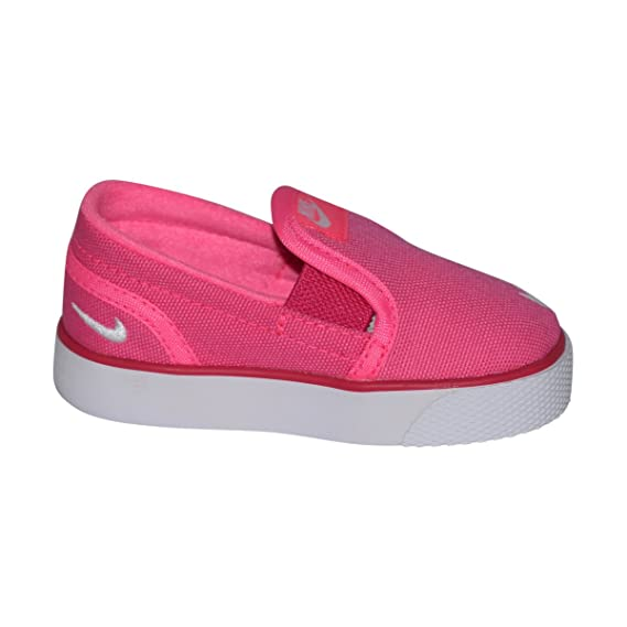 c3530645d383 Amazon.com  Nike Toddler Toki Slip-On Canvas Sneakers (TDV)  Shoes