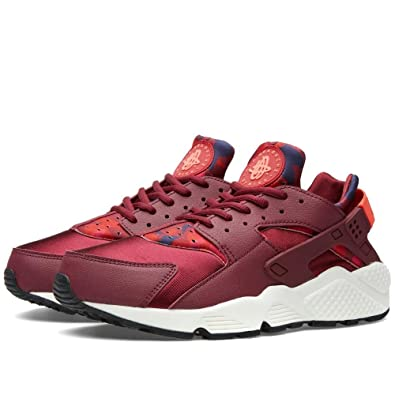 43bbe47566a3a Image Unavailable. Image not available for. Color  NIKE Women s Air  Huarache Run Print Deep Garnet Bright Crimson ...