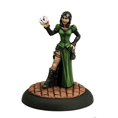 Female Huckster Savage Worlds Miniature by Reaper: Toys & Games