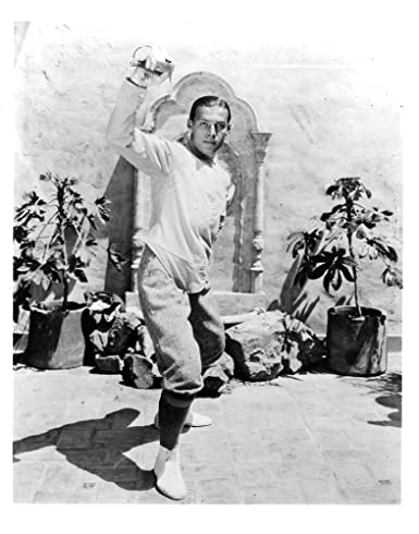 RUDOLPH VALENTINO WEARING A FENCING OUTFIT - U S  8x10 Copy