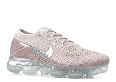 Nike Womens Air Vapormax Flyknit Low Top, StringChrome