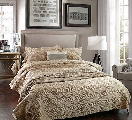 Champagne Queen Bedding: Amazon.com