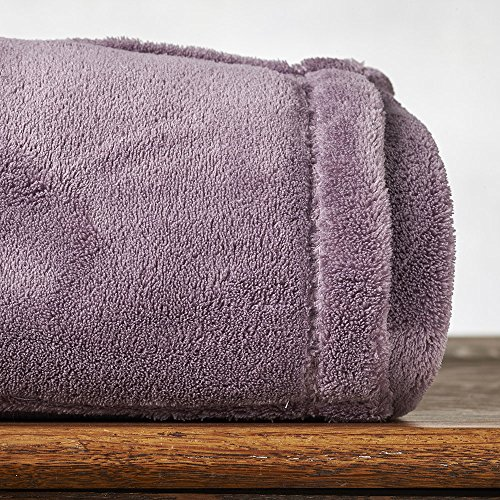 (Berkshire Blanket Cozy All Over Foot Pocket Throw with Sleeves, Lavender)