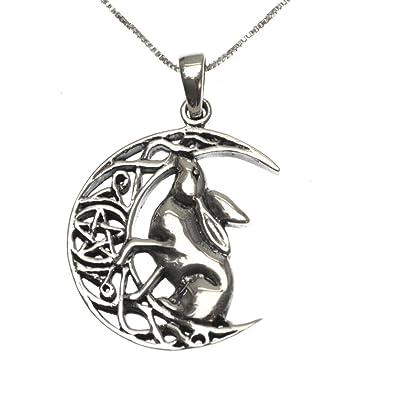 Moon gazing hare pendant on 18