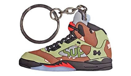 df89bcb986ff Amazon.com   Supreme Jordan Keychain   Sports   Outdoors