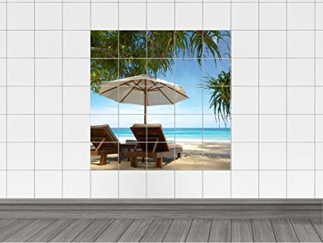 Piastrelle adesivo piastrelle immagine sdraio e ombrelloni sotto