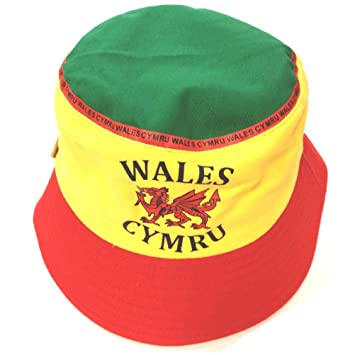 7571b0bcc948b Wales Football Supporters Bucket Hat  Amazon.co.uk  Sports   Outdoors