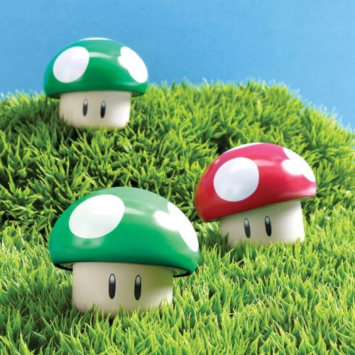 (Boston America 173664 Super Mario Bros. Sour Candy Mushroom Tin by Boston)