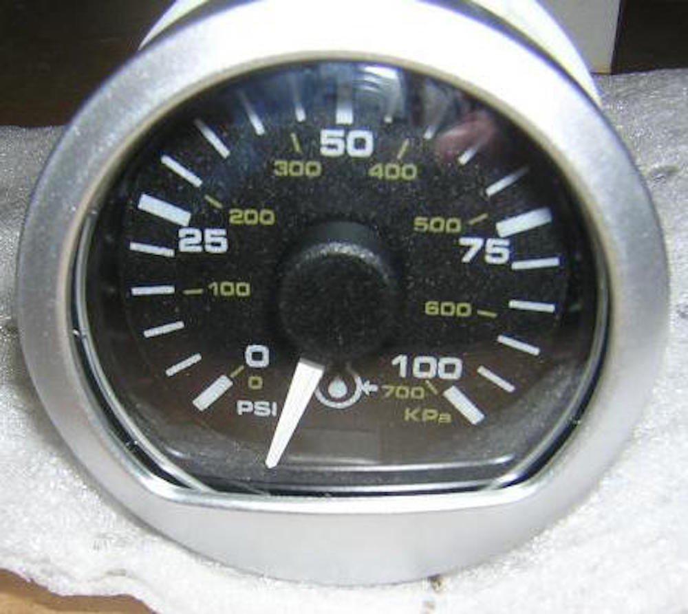 John Deere Original Equipment Pressure Gauge #RE521036