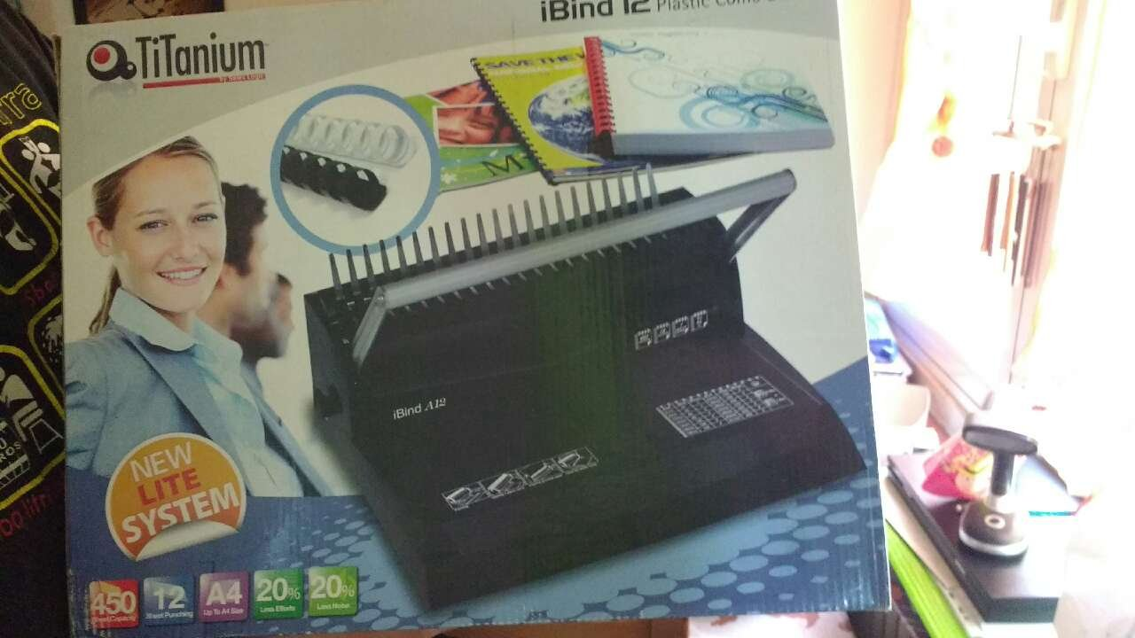 Titanium 68468 Rilegatrice Manuale PB1012