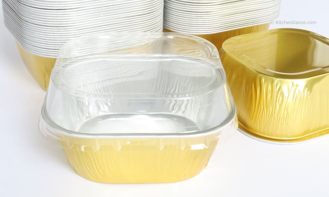 KitchenDance Disposable Aluminum 4'' x 4'' Square 8 ounce Dessert Pans W/ Lids - #ALU6P (GOLD, 500)