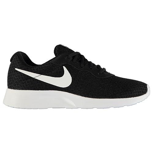 najnowszy projekt później najlepsza wyprzedaż Amazon.com | Nike Tanjun Training Shoes Mens Black/White ...