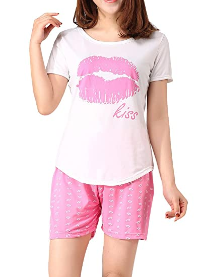 c89b85f4ee881 VENTELAN Women s Short Sleeve Pajama Sets Sweet Kisses Printed Summer  Sleepwear