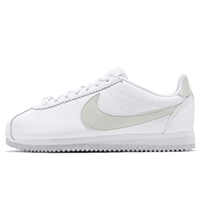 check out 76aff 337e5 Amazon.com | Nike Women's WMNS Classic Cortez Flyleather ...