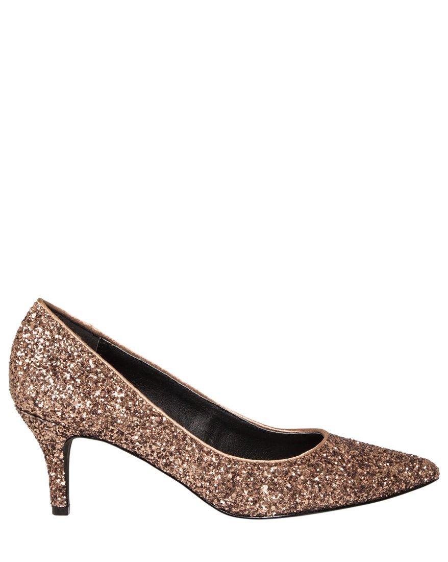 LE CHÂTEAU Women's Pointy Toe Mid Heel Glitter Pump,8,Bronze