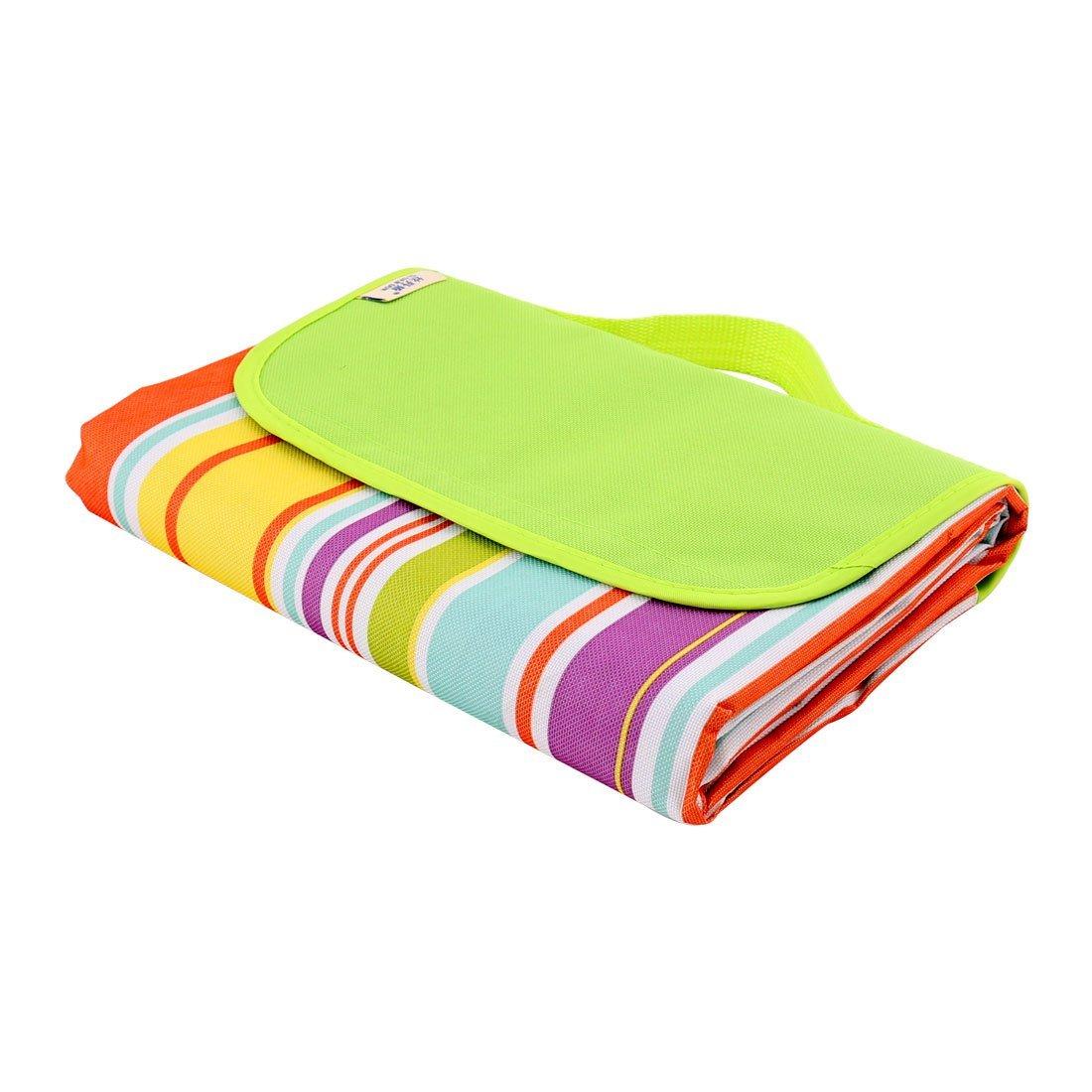 Amazon.com: eDealMax Que va de excursión Raya Nylon patrón resistente a la humedad alfombra de Picnic 145 x 180 cm luz Verde: Home & Kitchen
