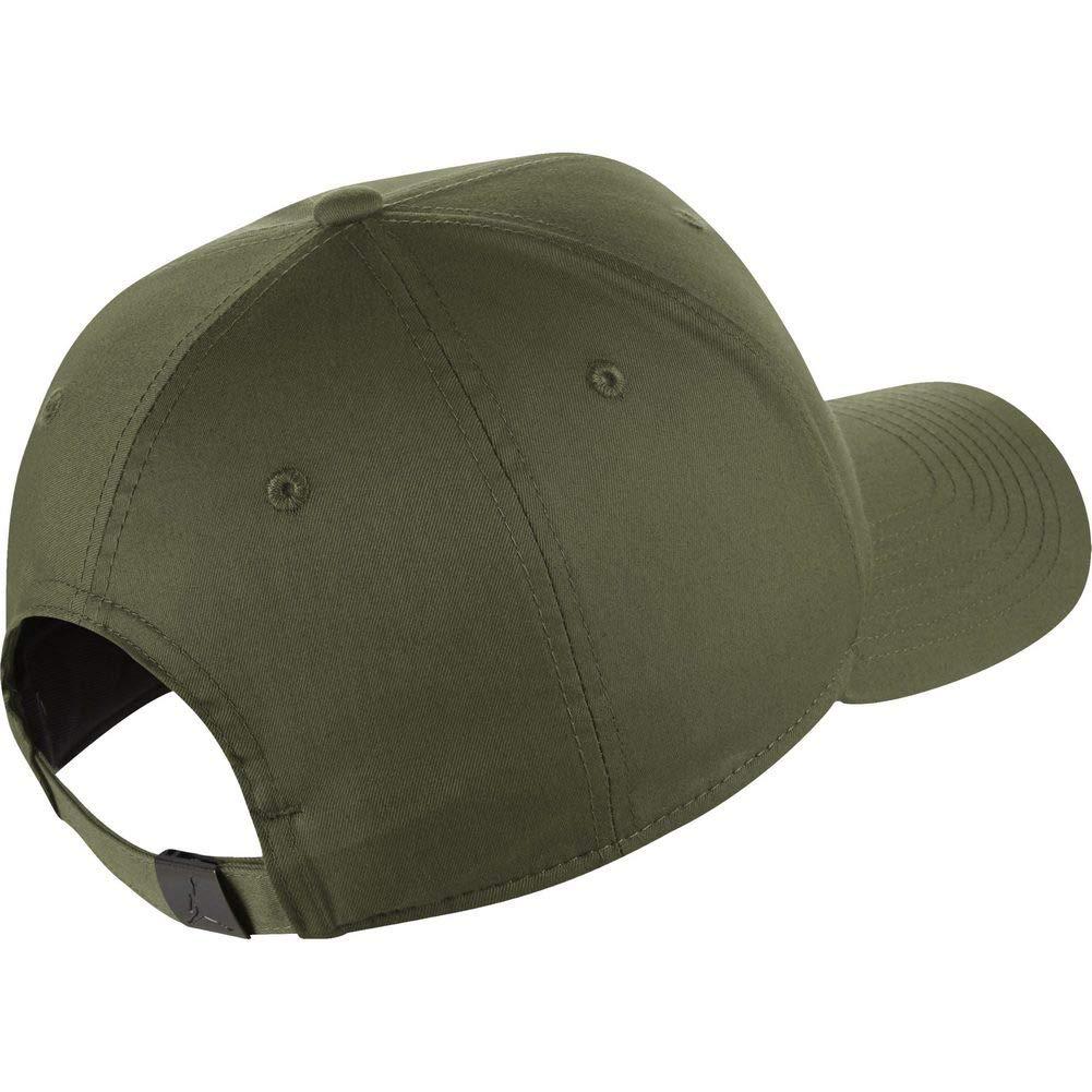 Nike Cappello Jordan CLASSIC99 Metal Jumpman  Amazon.co.uk  Clothing 374b459d044e