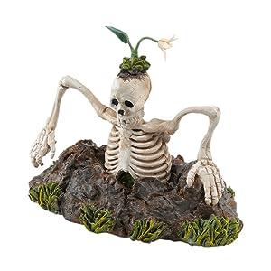 Halloween grave escape skeleton