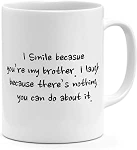 كوب قهوة بتصميم I Smile Because You Are My Brother من Loud Universal، أبيض