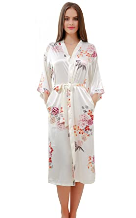 776374159b GoldOath Women s Floral Silk-Like Kimono of New White Long Robes for Bride  and Bridesmaid