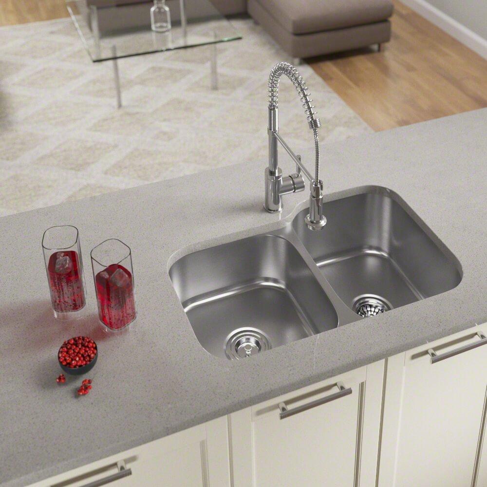 Bundle - 3 Items: Sink, Basket Strainer, and Standard Strainer US1053L 18 Gauge Stainless Steel Kitchen Ensemble