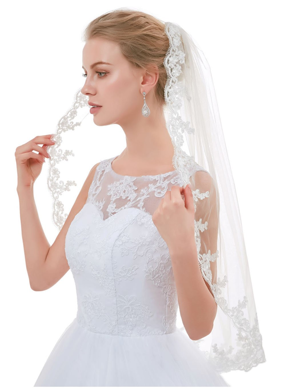 Greenia Lace Edge Tulle 1 Tier Bridal Veil with Comb GN-V23