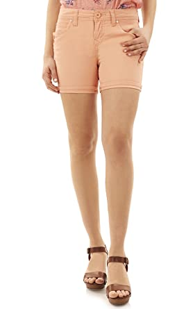 what to wear with salmon shorts
