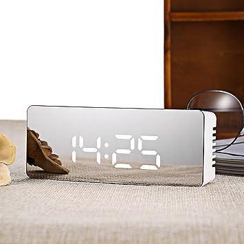 Amazon.com: Relojes de alarma para dormitorios, un reloj de ...