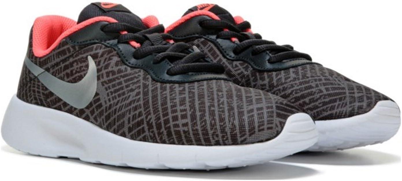 Dinamarca bronce Grande  Amazon.com | Nike tanjun print (GS) (4 Big Kid M) | Sneakers