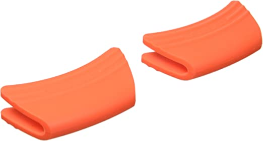 Black Le Creuset SG100-31 Silicone Handle Grips Set