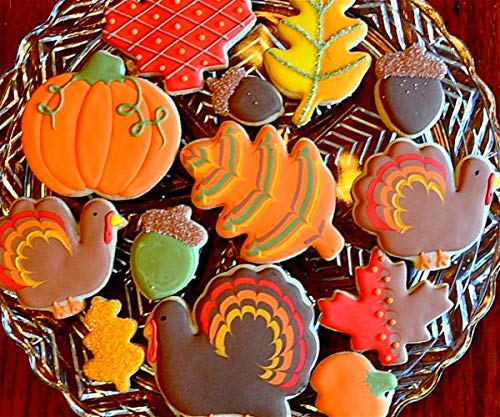 LILIAO Fall Thanksgiving Cookie Cutters Set - 7 Piece - Turkey, Pumpkin, Maple Leaf, Oak Leaf, Squirrel, Acorn and Apple Cutter - Stainless Steel by LILIAO (Image #4)