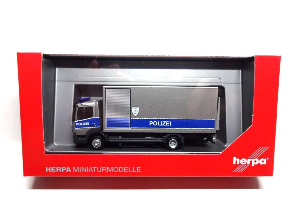 Herpa 93538/MB Atego 13/Box Truck Polizei Hamburg Modell Set