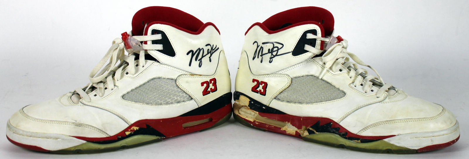 Bulls Michael Jordan Autographed Signed 1990 Game Used Nike Air Jordan V Shoes Bas Certified Authentic