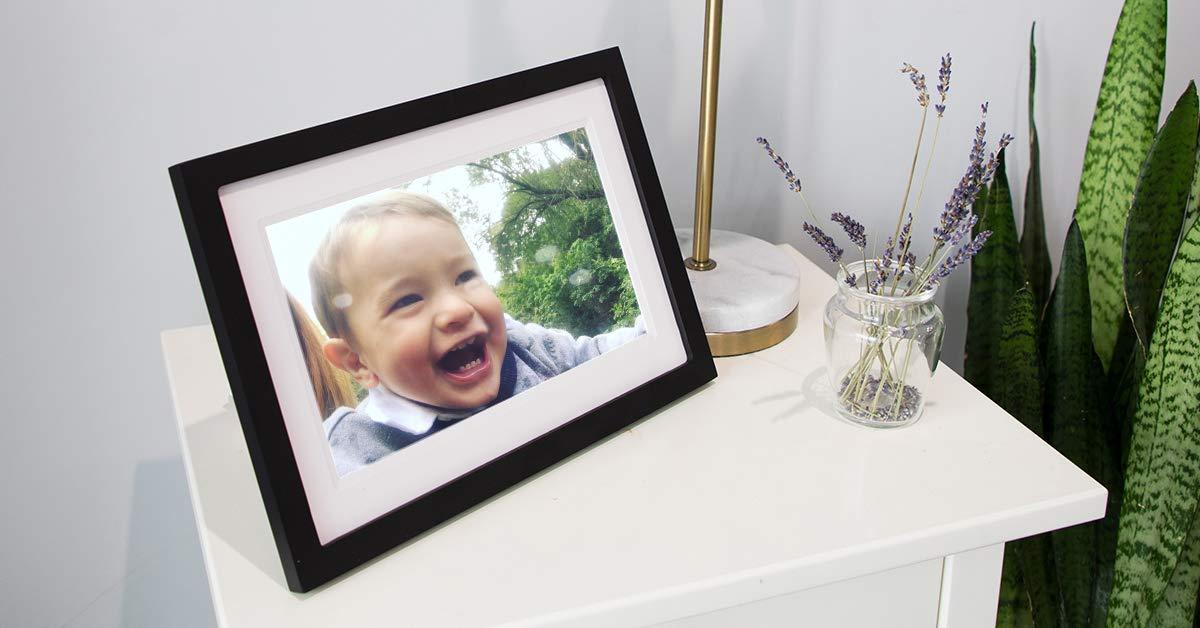 Amazon.com : Skylight Frame: 10 inch WiFi Digital Picture Frame ...