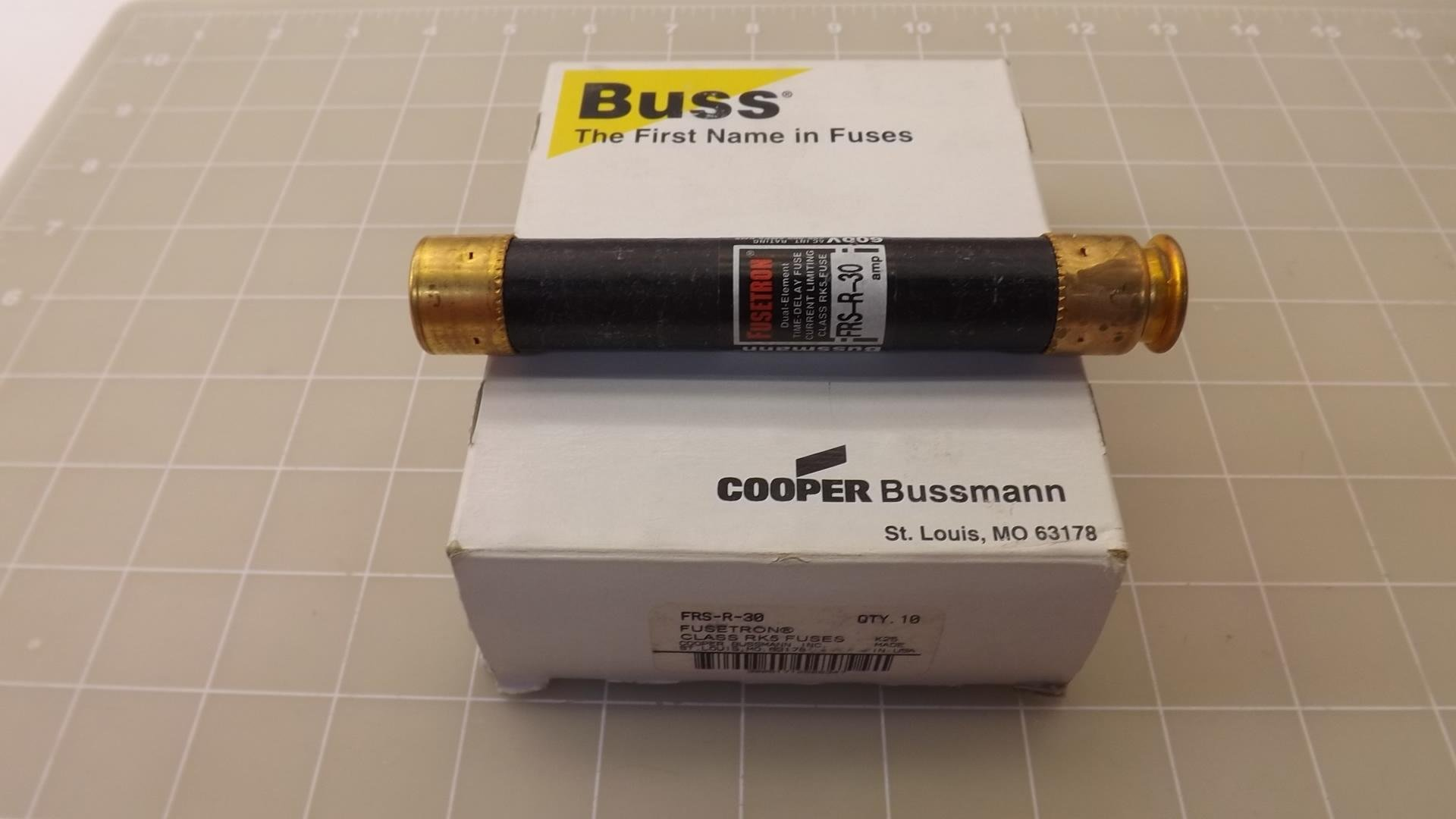 Lot of 10 Buss, Fusetorn FRS-R-30 Class RK5 Fuses T24306
