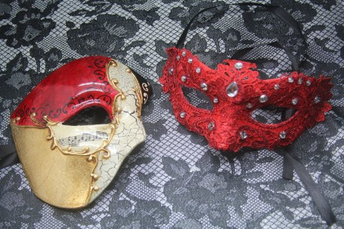 Venetian Red Couple Half Musical & Lace Masquerade Carnival Costume Mask