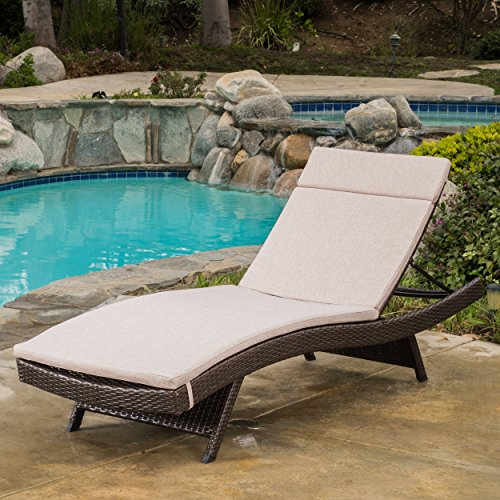 Great Deal Lakeport Outdoor Wicker Chaise Lounge with Cus...